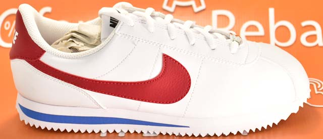Nike Cortez detalles laterales